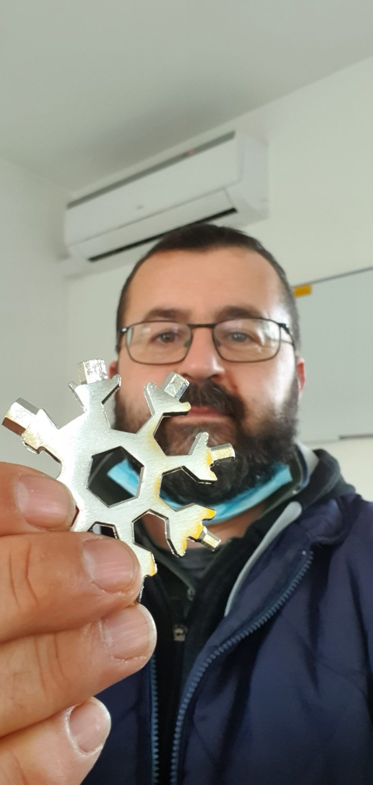 Snowflake multitool photo review